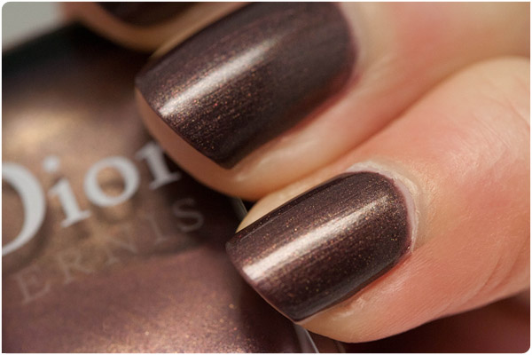 Dior - 886 - Violet Nouveau Monde