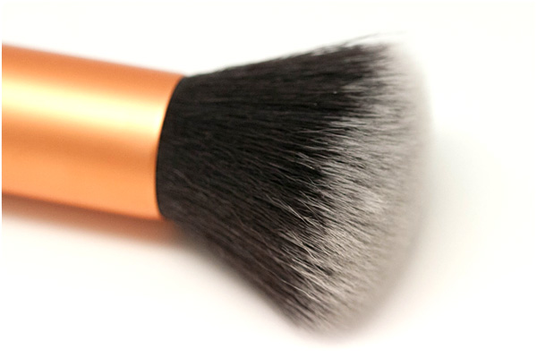 Real Techniques - Buffing Brush