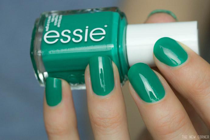 Essie - Ruffles & Feathers